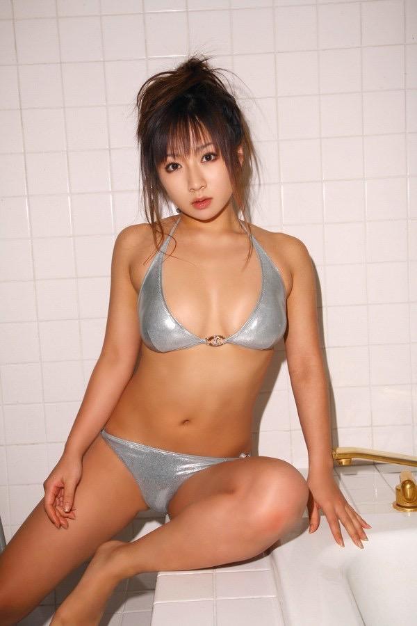 【愛川ゆず季グラビア画像】100cmHカップ爆乳ダイナマイトボディのグラビアアイドル! 46