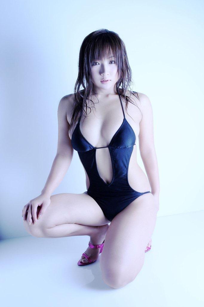 【愛川ゆず季グラビア画像】100cmHカップ爆乳ダイナマイトボディのグラビアアイドル! 67