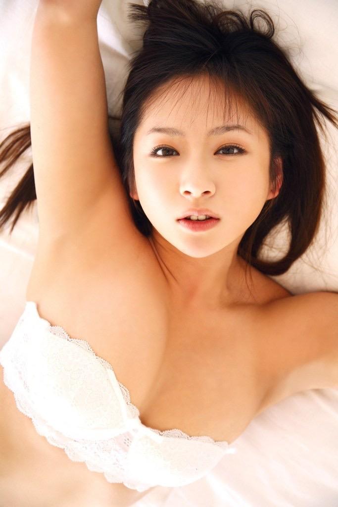 【愛川ゆず季グラビア画像】100cmHカップ爆乳ダイナマイトボディのグラビアアイドル! 68