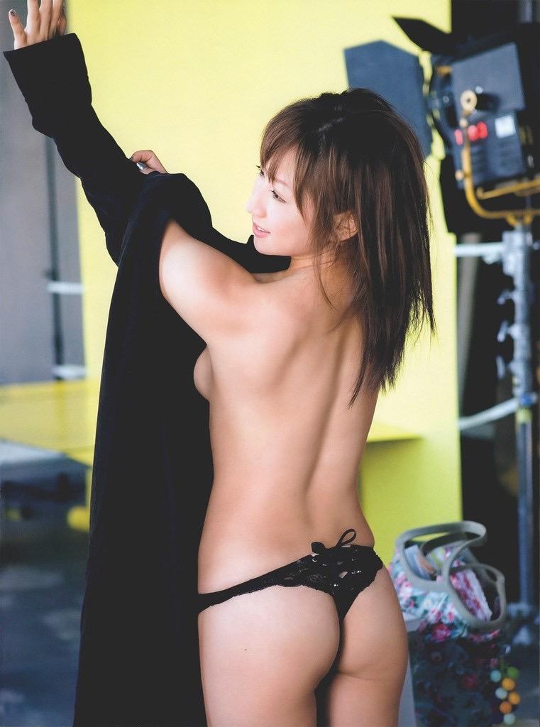 【愛川ゆず季グラビア画像】100cmHカップ爆乳ダイナマイトボディのグラビアアイドル! 73