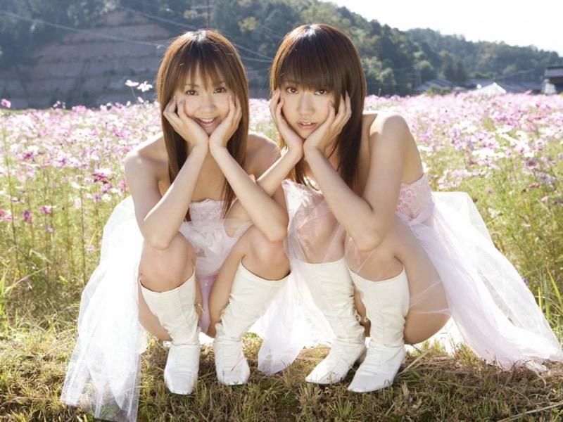 【グラビア姉妹エロ画像】浜田翔子&浜田コウのお茶目でちょっとHなWグラビア画像 39