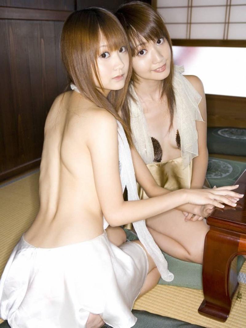 【グラビア姉妹エロ画像】浜田翔子&浜田コウのお茶目でちょっとHなWグラビア画像 42
