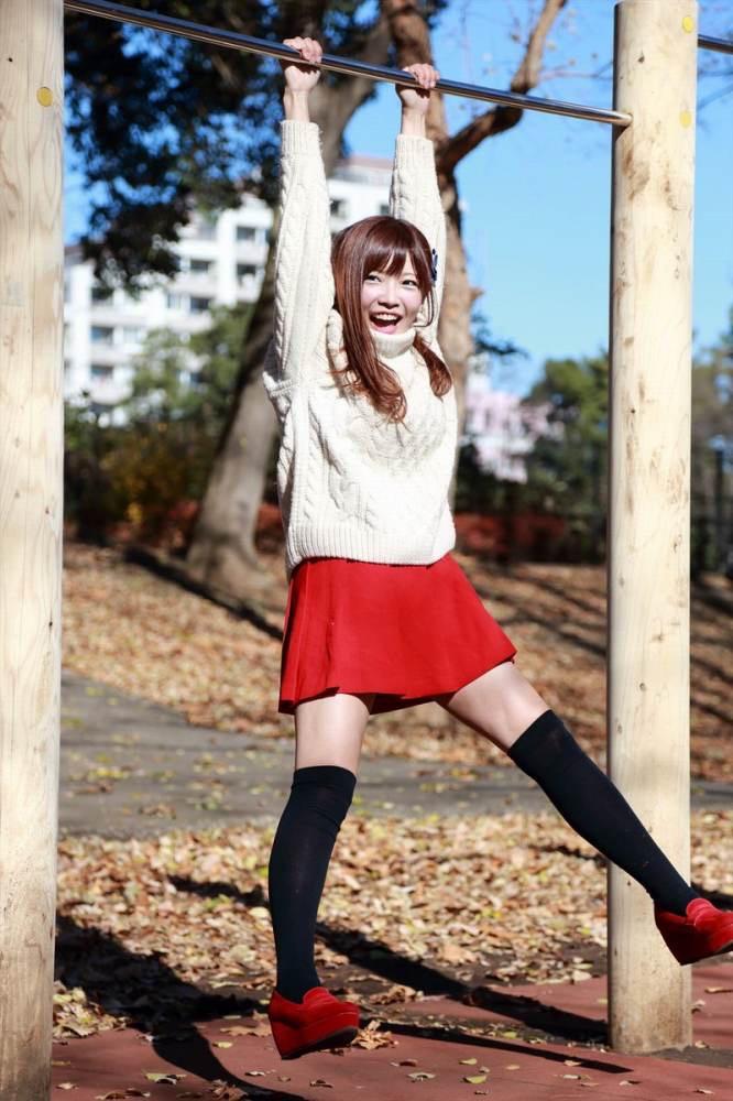 【藤田恵名エロ画像】脱いで歌える!?シンガーとグラビアを共存させるグラビアアイドル 37