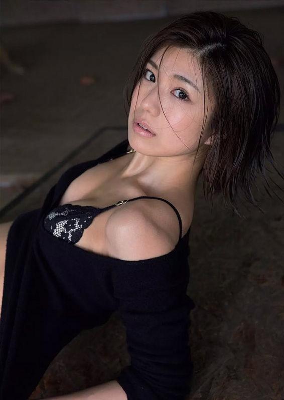 【藤木由貴グラビア画像】可愛い笑顔とめちゃシコボディが最高過ぎるレースクイーン美女! 14