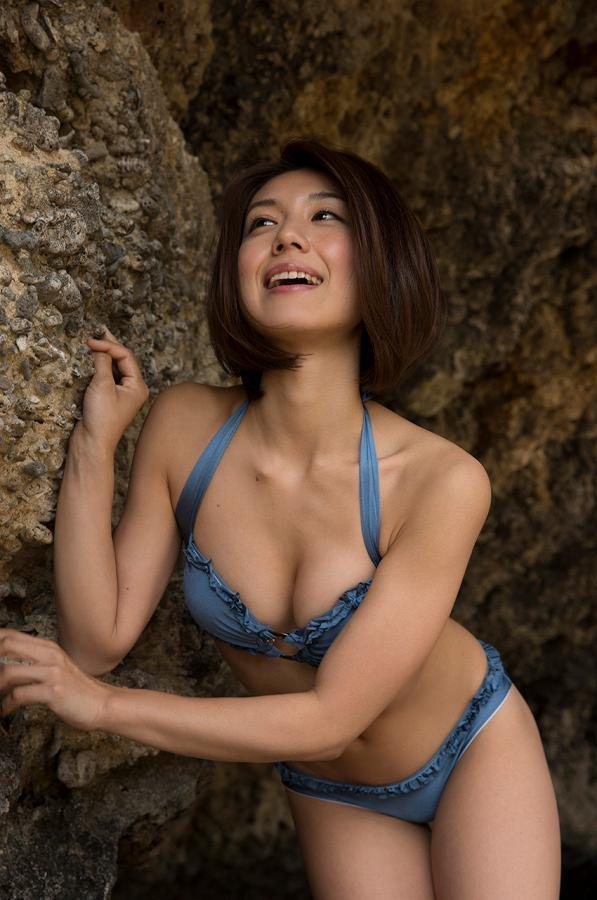 【藤木由貴グラビア画像】可愛い笑顔とめちゃシコボディが最高過ぎるレースクイーン美女! 28