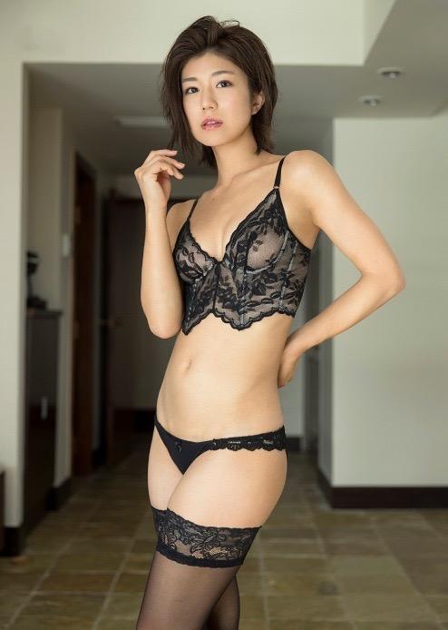 【藤木由貴グラビア画像】可愛い笑顔とめちゃシコボディが最高過ぎるレースクイーン美女! 62