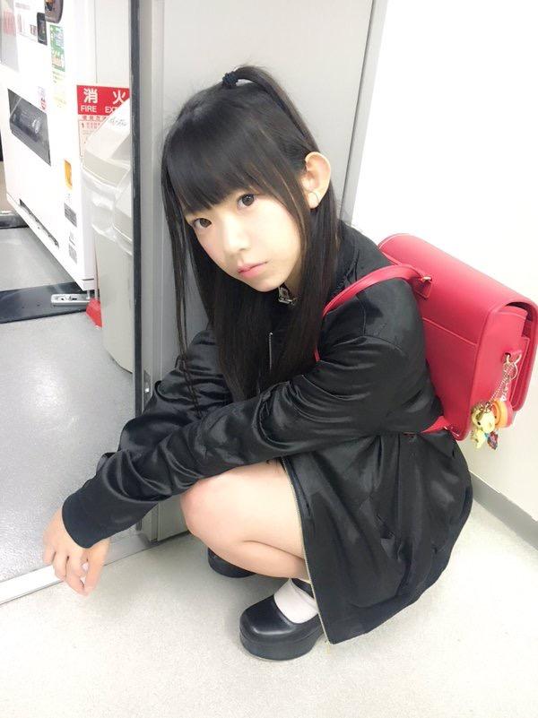【長澤茉里奈エロ画像】ランドセルが似合いすぎて危ない合法ロリ巨乳のグラビアアイドル 04