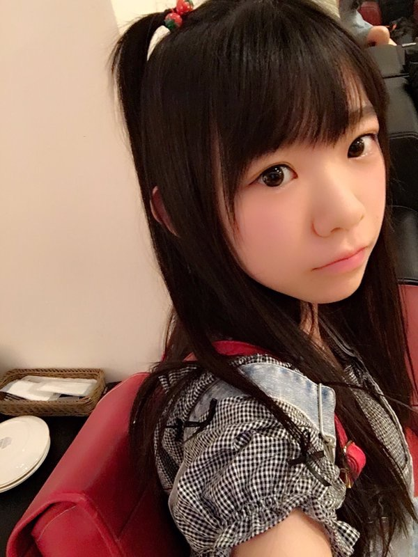 【長澤茉里奈エロ画像】ランドセルが似合いすぎて危ない合法ロリ巨乳のグラビアアイドル 06