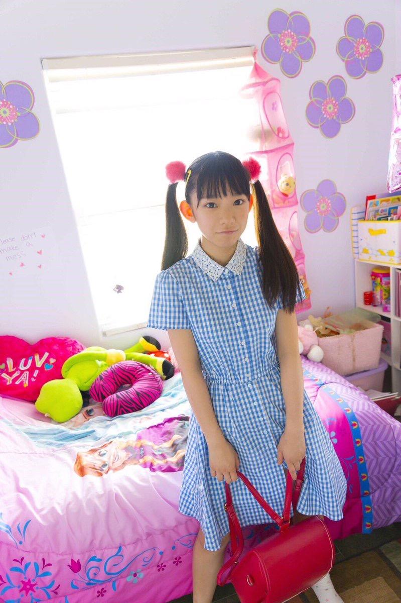 【長澤茉里奈エロ画像】ランドセルが似合いすぎて危ない合法ロリ巨乳のグラビアアイドル 08