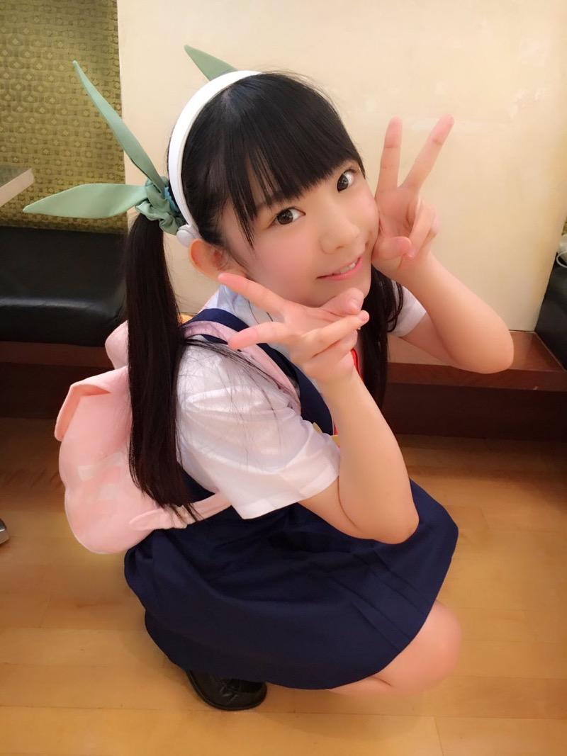 【長澤茉里奈エロ画像】ランドセルが似合いすぎて危ない合法ロリ巨乳のグラビアアイドル 11