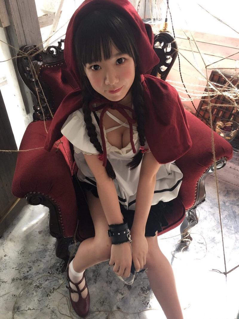 【長澤茉里奈エロ画像】ランドセルが似合いすぎて危ない合法ロリ巨乳のグラビアアイドル 14