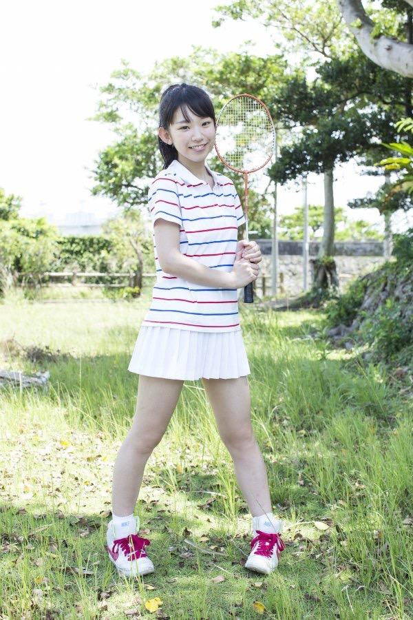 【長澤茉里奈エロ画像】ランドセルが似合いすぎて危ない合法ロリ巨乳のグラビアアイドル 18