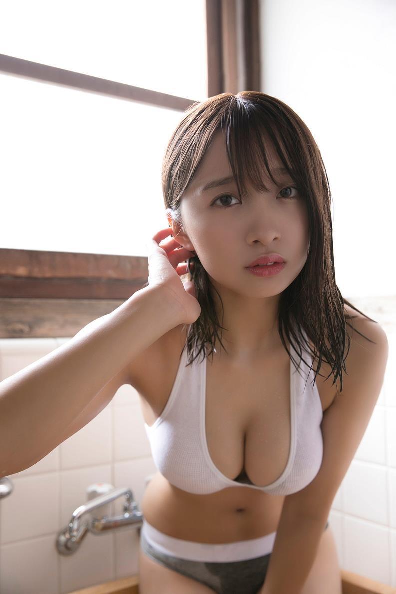 【渡邉幸愛グラビア画像】美少女系の可愛いアイドルが結構エロいグラビアを撮ってる! 18