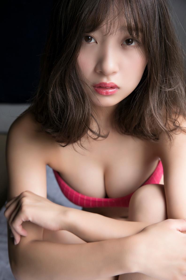 【渡邉幸愛グラビア画像】美少女系の可愛いアイドルが結構エロいグラビアを撮ってる! 22