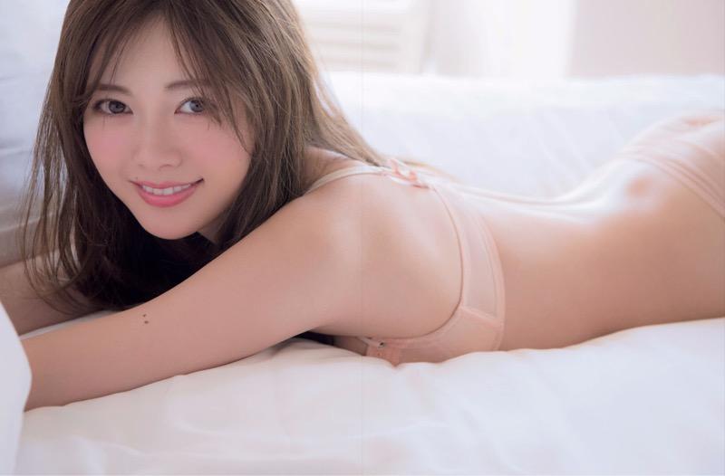【白石麻衣グラビア画像】ウエスト59cmのくびれボディがエロい乃木坂46アイドル