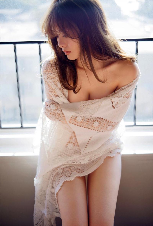【白石麻衣グラビア画像】ウエスト59cmのくびれボディがエロい乃木坂46アイドル 16