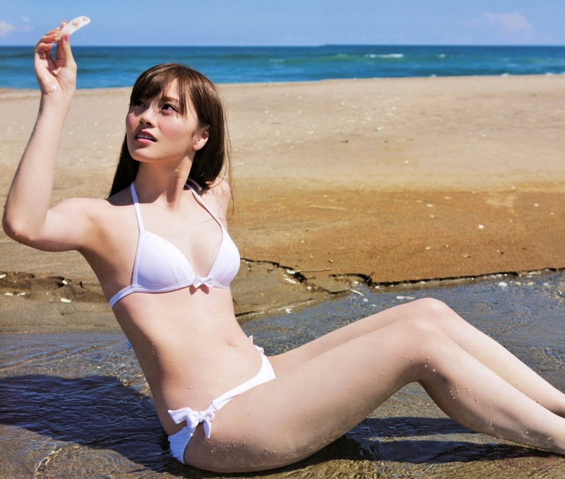 【白石麻衣グラビア画像】ウエスト59cmのくびれボディがエロい乃木坂46アイドル 80