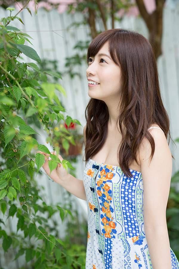 【斉藤優里エロ画像】乃木坂46からの卒業を電撃発表したアイドルの可愛いグラビア画像など