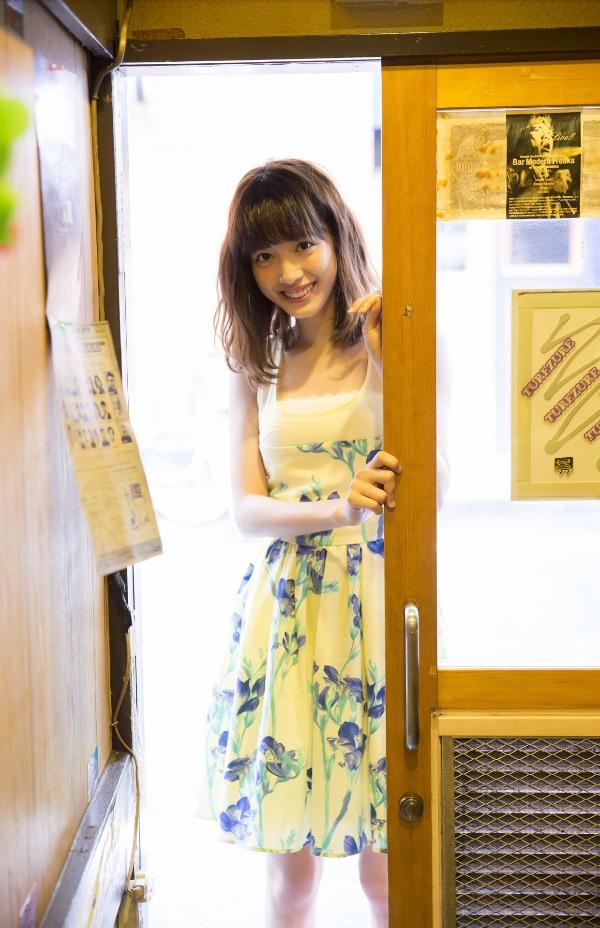 【松田るかグラビア画像】癒し系の優しい笑顔と色白なくびれボディがエロい美人女優のグラビア! 09