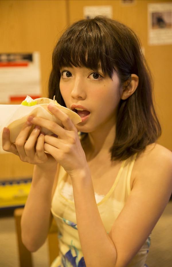 【松田るかグラビア画像】癒し系の優しい笑顔と色白なくびれボディがエロい美人女優のグラビア! 12