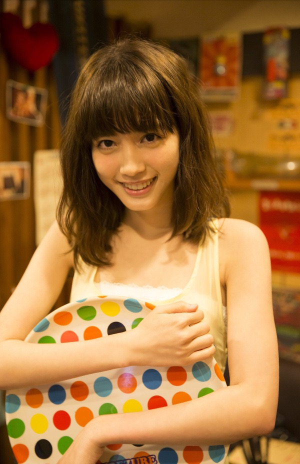 【松田るかグラビア画像】癒し系の優しい笑顔と色白なくびれボディがエロい美人女優のグラビア! 13