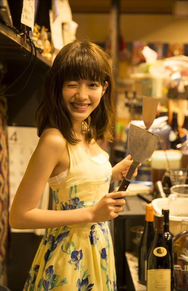 【松田るかグラビア画像】癒し系の優しい笑顔と色白なくびれボディがエロい美人女優のグラビア! 14