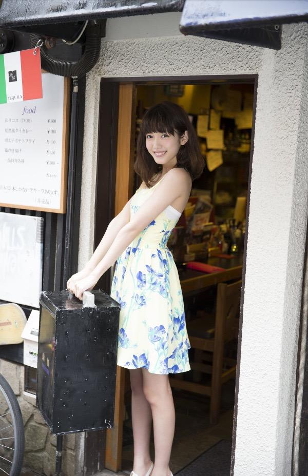 【松田るかグラビア画像】癒し系の優しい笑顔と色白なくびれボディがエロい美人女優のグラビア! 15
