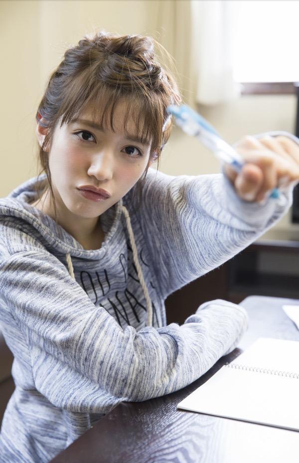 【松田るかグラビア画像】癒し系の優しい笑顔と色白なくびれボディがエロい美人女優のグラビア! 50