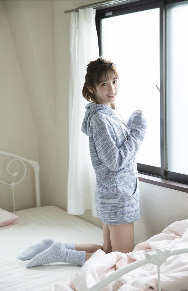【松田るかグラビア画像】癒し系の優しい笑顔と色白なくびれボディがエロい美人女優のグラビア! 53