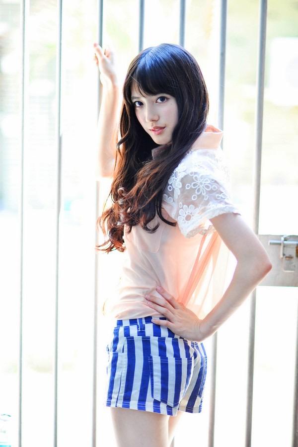 【松田るかグラビア画像】癒し系の優しい笑顔と色白なくびれボディがエロい美人女優のグラビア! 56
