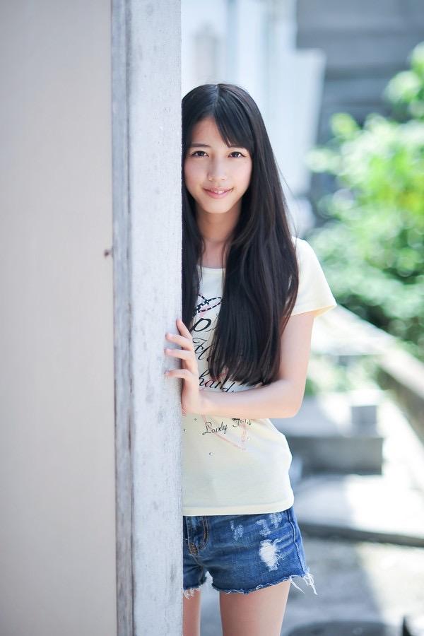 【松田るかグラビア画像】癒し系の優しい笑顔と色白なくびれボディがエロい美人女優のグラビア! 77