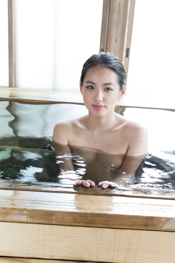 【間宮夕貴グラビア画像】グラビアアイドルとしても活動していたFカップ巨乳の美人女優 13