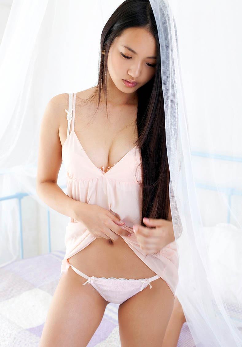 【間宮夕貴グラビア画像】グラビアアイドルとしても活動していたFカップ巨乳の美人女優 29