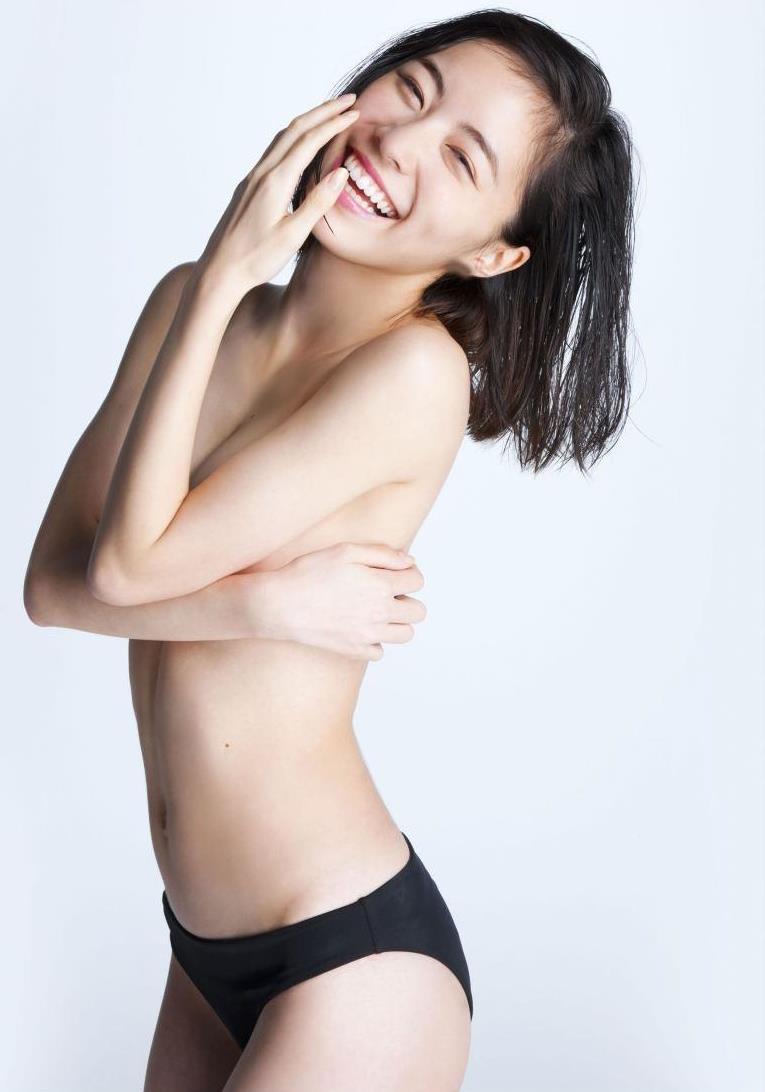 【松井珠理奈グラビア画像】SKE48所属アイドルの健全でビキニ姿が眩しいスレンダーボディ 17