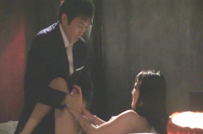 【間宮夕貴濡れ場画像】Fカップボディで大胆に魅せる美人女優のセックスと緊縛シーン 44