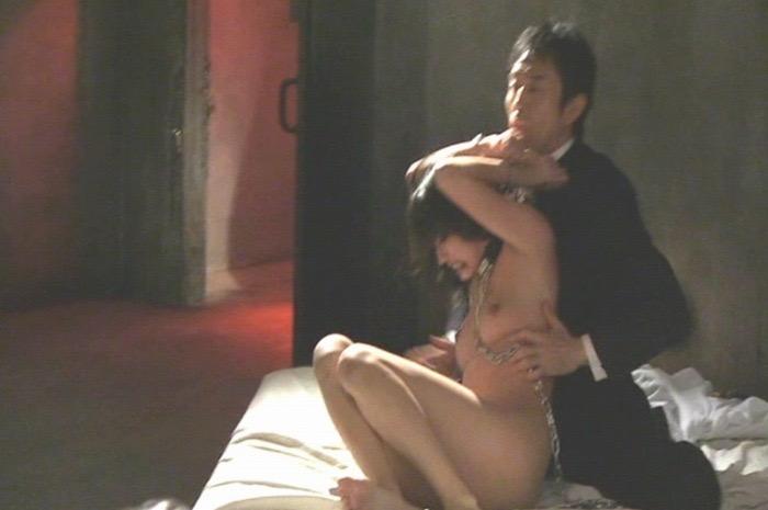 【間宮夕貴濡れ場画像】Fカップボディで大胆に魅せる美人女優のセックスと緊縛シーン 57
