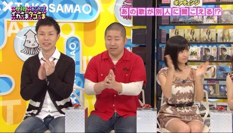 【アイドルパンチラ画像】アイドルたちが可愛いステージ衣装で歌って踊ってパンツ見えた! 65