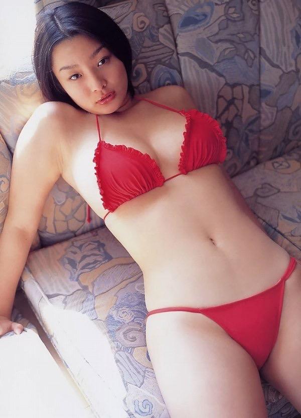 【佐藤和沙グラビア画像】菓子職人へ転身した100cmのIカップ爆乳エロボディのグラビアアイドル 35