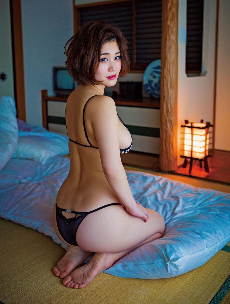 【橘花凛グラビア画像】細い腰つきに反して大きいオッパイがエロすぎる爆乳ラウンドガール! 73