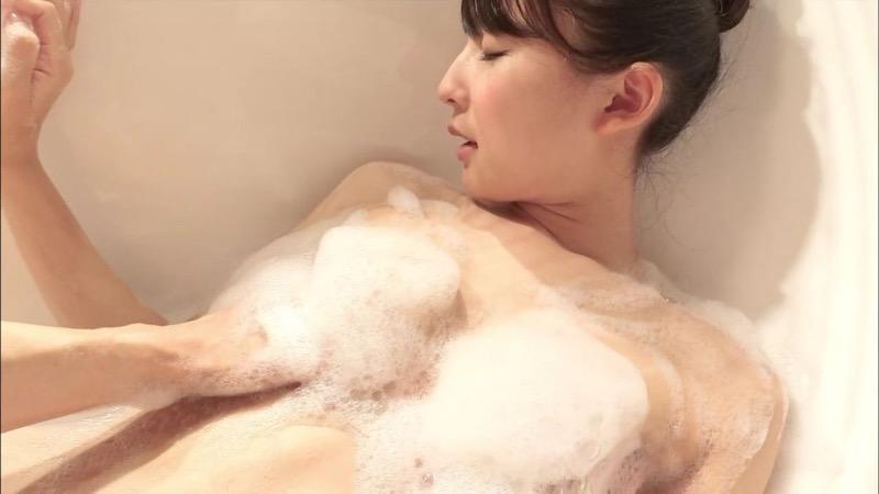 【川崎あやキャプ画像】活動の一時休止を宣言してしまったグラビアアイドル! 33