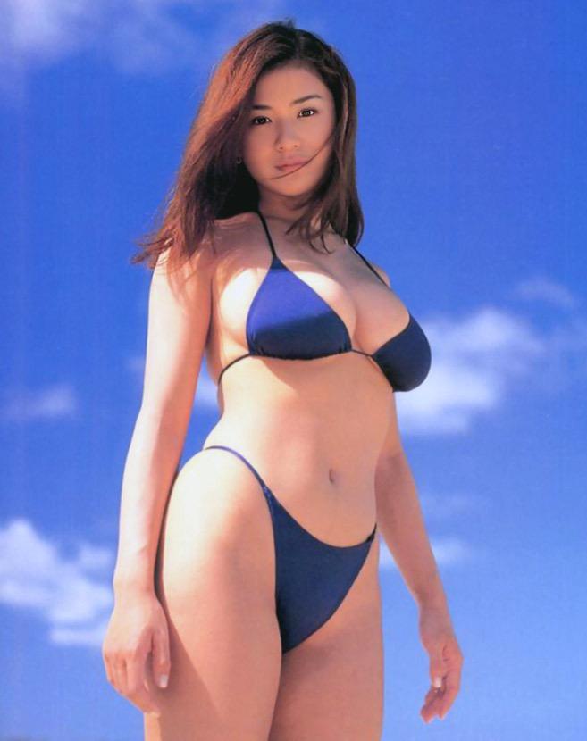 【青木裕子グラビア画像】Iカップ爆乳ボディで人気を博した平成の伝説級グラビアアイドルの現在は? 12