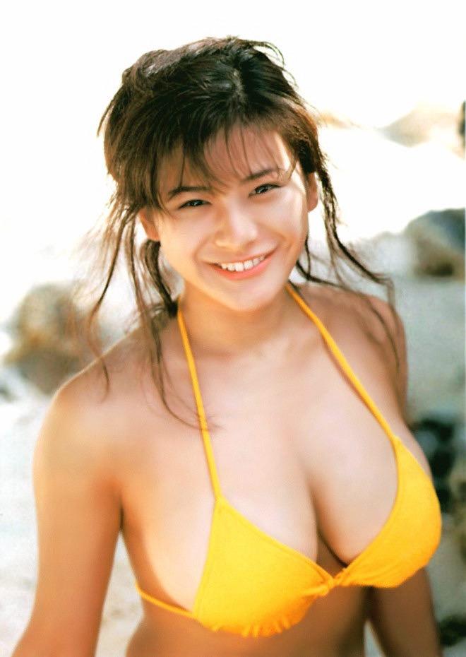 【青木裕子グラビア画像】Iカップ爆乳ボディで人気を博した平成の伝説級グラビアアイドルの現在は? 16