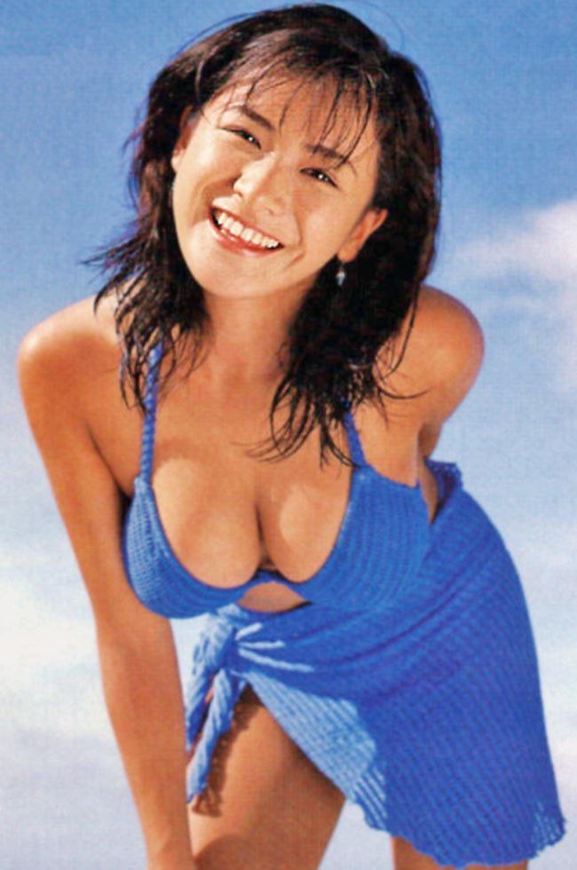 【青木裕子グラビア画像】Iカップ爆乳ボディで人気を博した平成の伝説級グラビアアイドルの現在は? 18