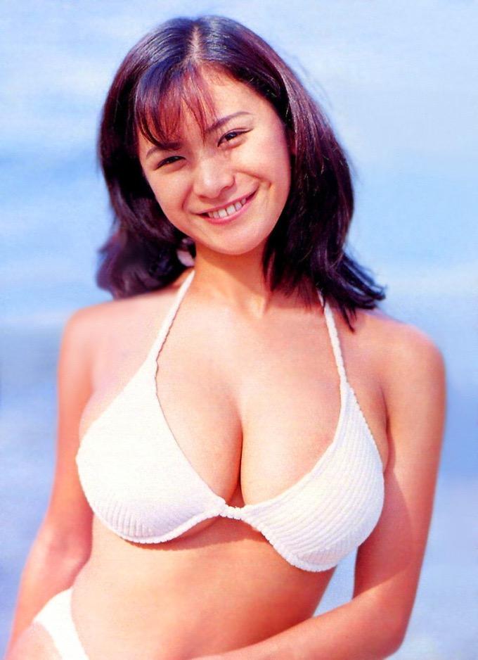 【青木裕子グラビア画像】Iカップ爆乳ボディで人気を博した平成の伝説級グラビアアイドルの現在は? 19