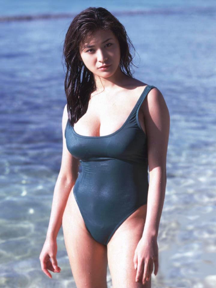 【青木裕子グラビア画像】Iカップ爆乳ボディで人気を博した平成の伝説級グラビアアイドルの現在は? 32