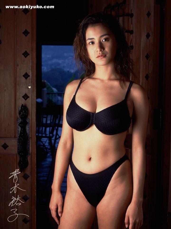 【青木裕子グラビア画像】Iカップ爆乳ボディで人気を博した平成の伝説級グラビアアイドルの現在は? 33