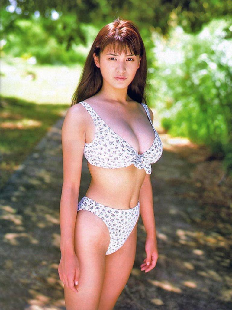 【青木裕子グラビア画像】Iカップ爆乳ボディで人気を博した平成の伝説級グラビアアイドルの現在は? 69