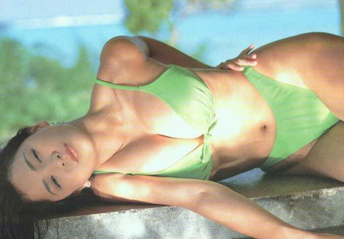 【青木裕子グラビア画像】Iカップ爆乳ボディで人気を博した平成の伝説級グラビアアイドルの現在は? 74