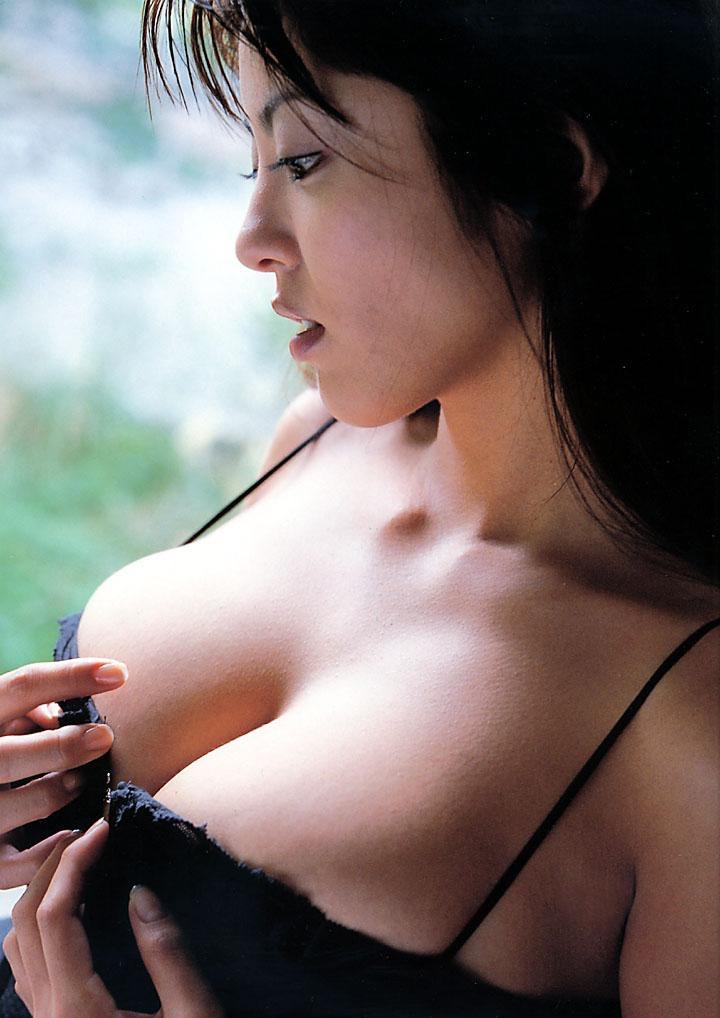 【根本はるみグラビア画像】オッパイが大きすぎて着る服が無いという爆乳グラビアアイドル! 43