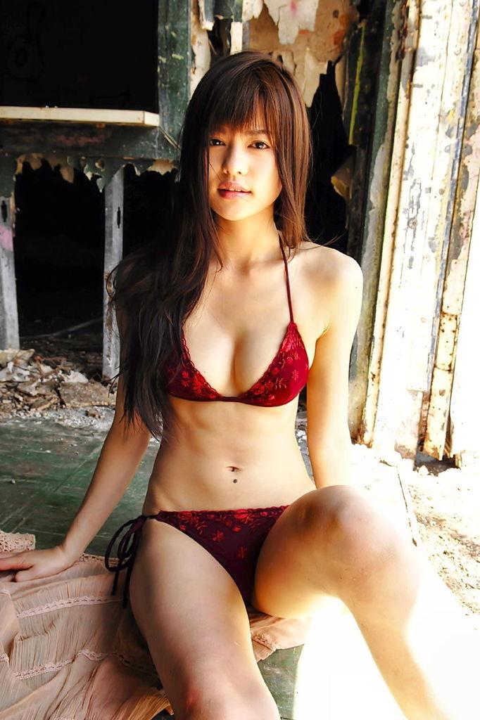 【白鳥百合子グラビア画像】女優として活躍を期待されつつ引退してしまったグラビアアイドル 07